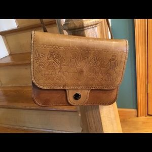 🔴SALE- VINTAGE Compact embossed cowhide crossbody